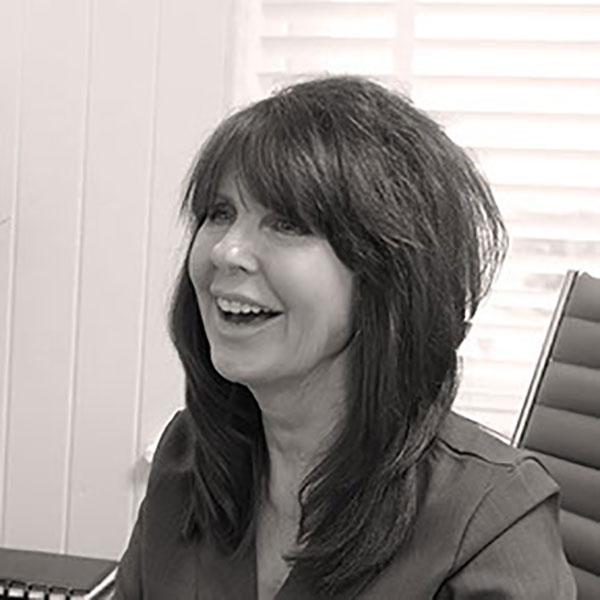 Tracy Butler, RGN, NIP. Symétrie Aesthetic Clinic, Oldswinford, Stourbridge, West Midlands